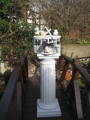 funeral-heart-on-column-one-dove