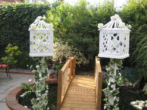 two-wedding-cages